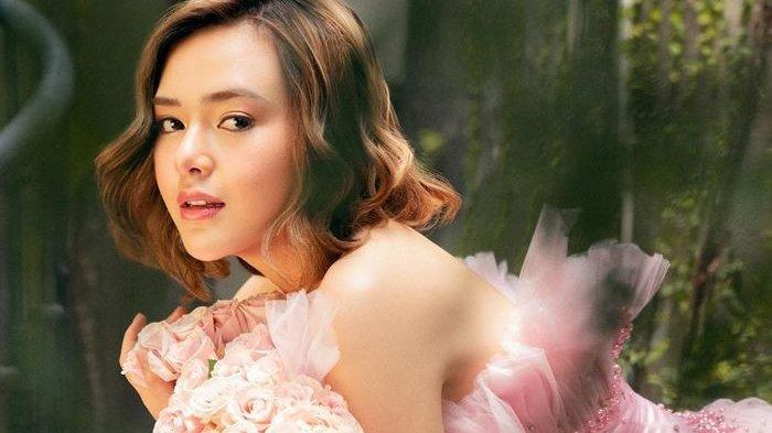 Berbusana Bodycon Dress Ketat Warna Kulit, Amanda Manopo Terlihat Aduhai, Reaksi Netizen: Aduh Man