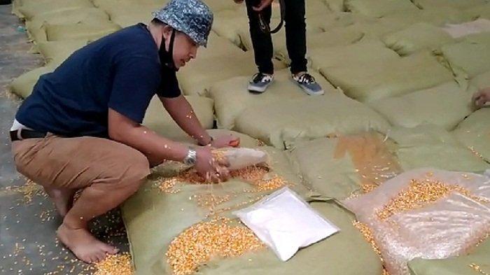 BREAKING NEWS: Mabes Polri Grebek Gudang Simpan 200 Kg Sabu-Sabu di Karung Jagung