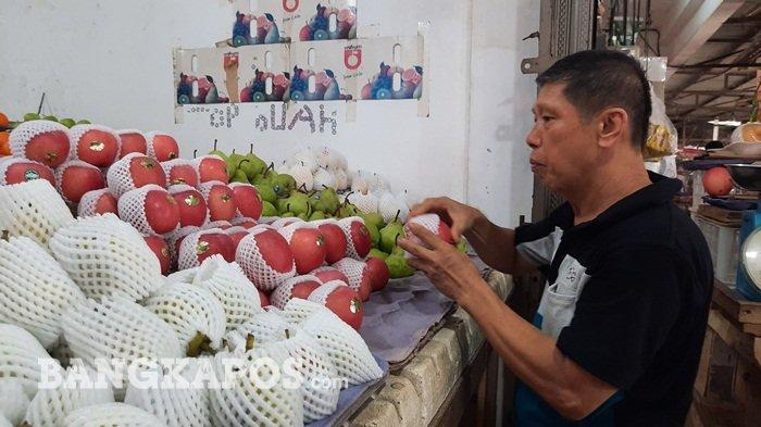 Menjelang Imlek Penjualan Buah Mengeluh, Penghasilan Turun Hingga 50 Persen.
