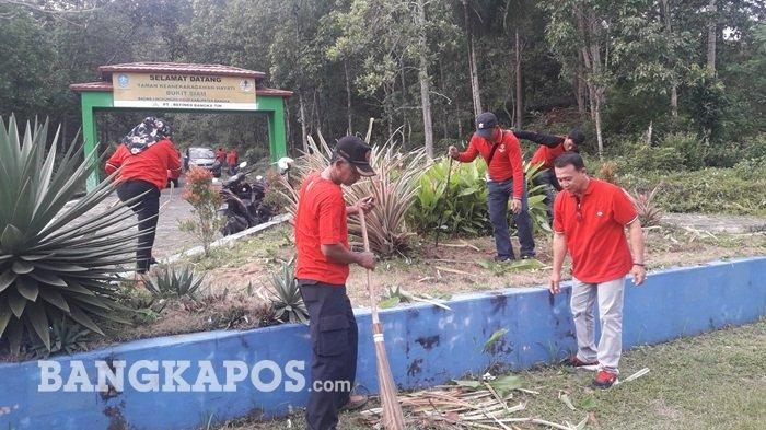 Peringati HUT PDIP Ke-47, DPC PDIP Kabupaten Gelar Kerja Bakti dan Bakti Sosial Pengobatan Gratis