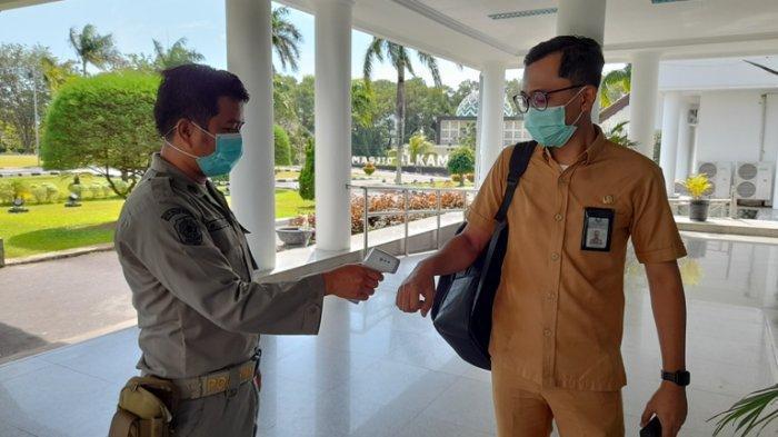 Masuk Kantor Gubernur Harus Patuhi Prokes, Suhu 37 Derajat Celcius ke Atas Langsung Disuruh Pulang