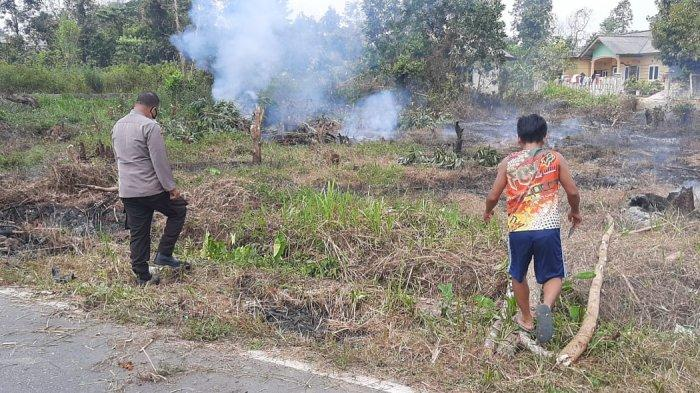 Polsek Gerungang Patroli Anti Karhutla, Imbau Masyarakat Jangan Bakar Lahan - 20210228_patroli-karhutla-polsek-gerunggang-02.jpg