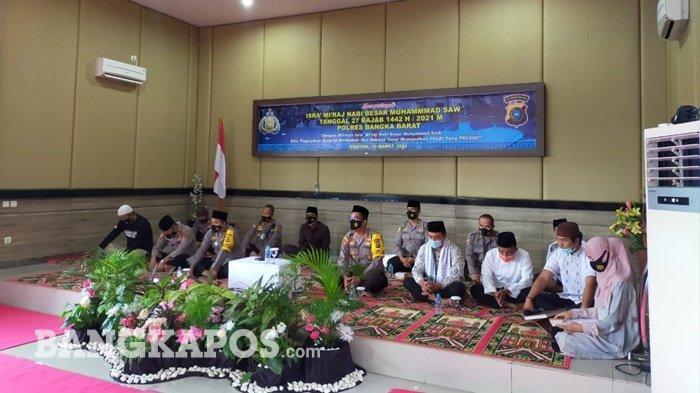 Polres Bangka Barat Peringati Isra Mi'raj, Kapolres Ingatkan Personel Polri tidak Tinggalkan Salat