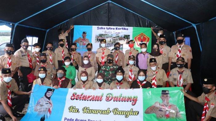 Ketua Kwartir Cabang (Kwarcab) Bangka, Yusmiati Mulkan menerima 17 orang anggota baru Saka Wira Kartika ditandai dengan kegiatan Perkemahan Sabtu Minggu (Persami)  di Pantai Bedukang,  Sabtu-Minggu (27-28/03/2021).