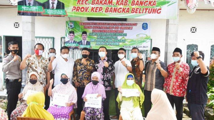 Wabup Bangka Serahkan BLT DD di Desa Maras Senang dan Kapuk - 20210402_wabup-bangka-serahkan-blt-03.jpg