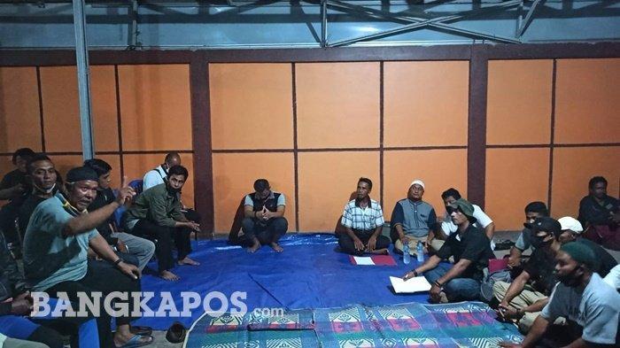 Demo di Kantor Lurah Tanjung Ketapang, Tandatangan Tidak Berlaku Hingga Ada Sosialisasi Terbuka