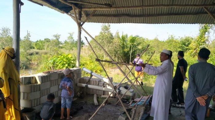 MUI Sungailiat Berbagikan 40 Paket Sembako untuk Fakir Miskin