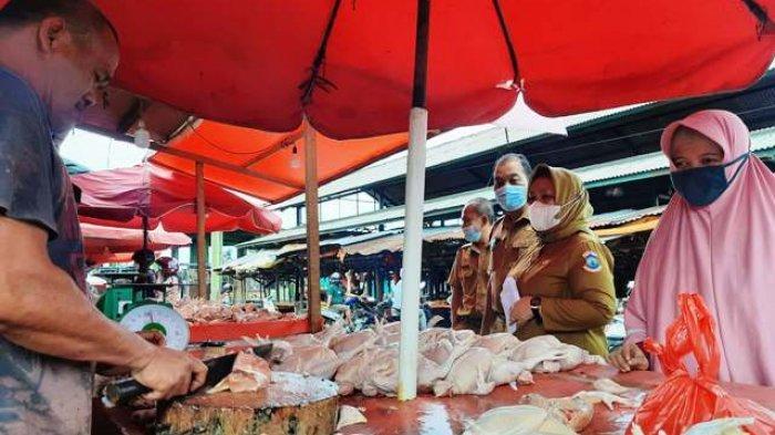 Harga Ayam di Pangkalpinang Meroket, Pedagang Curhat Begini ke Sekda yang Cek Harga Pasar