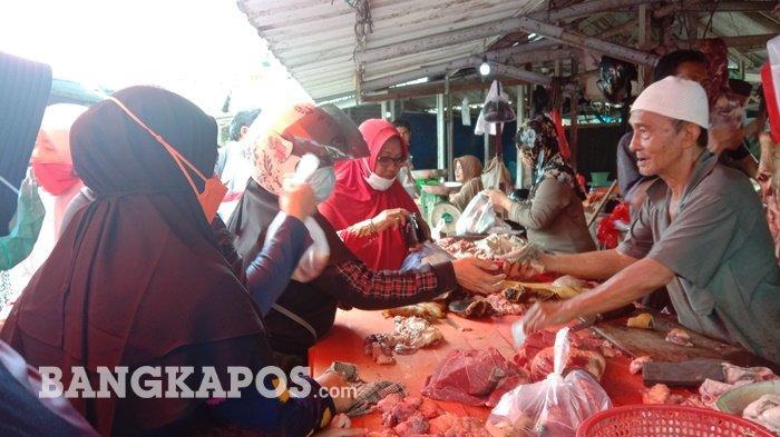 Harga Daging Sapi di Pasar Pangkalpinang Mulai Turun, Haji Ishak Patok Rp125.000 per Kilogram