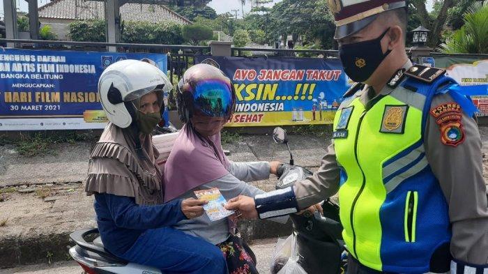 Satlantas Polres Bangka Bagikan Masker dalam Rangka Operasi Keselamatan 2021