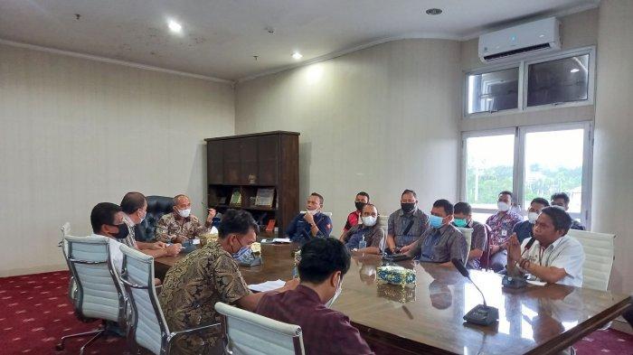 Resah dengan Jaringan Kabel yang Semraut, Wali Kota Pangkalpinang Rakor dengan Pemilik