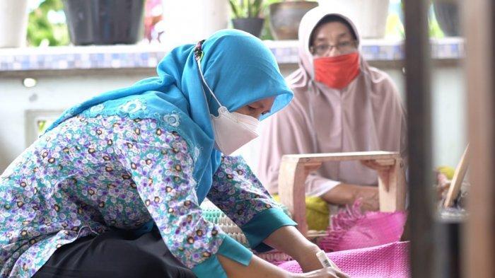 Andisfa Craft Mitra Binaan PT Timah, Sulap Daun Pandan Jadi Kerajinan Bernilai Ekonomis