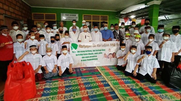 Kelompok Perenggu Orang Belitung Bagikan 300 Paket Takjil Kepada Anak Yatim
