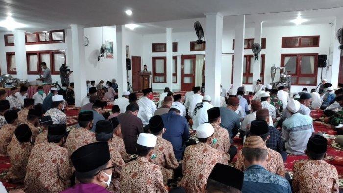 Bupati Bangka Gelar Buka Puasa bersama, 35 Anak Yatim Piatu dan 20 Hafiz Al Quran Dapat Santunan