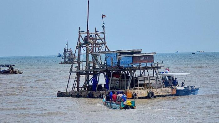 Satgas Gakkum Polda Babel Amankan Puluhan Kampil Pasir Timah di Laut Toboali