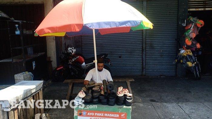 Kisah Kartobi 16 Tahun Tekuni Usaha Sol Sepatu, Sempat Sepi, Kini Sehari Bisa Kantongi Rp 150.000