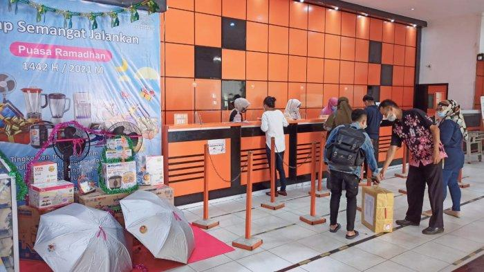 Pengiriman Barang Via Kantor Pos Pangkalpinang Melonjak Dua Kali Lipat Saat Awal Ramadhan