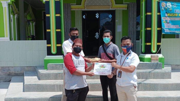 PT Timah Berikan Bantuan kepada GP Anshor Basel dan Masjid Nurul Falah Kelurahan Ketapang
