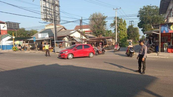 Bantu Kelancaran Jalan Raya Jelang Berbuka Puasa, Personel Kepolisian Lalu Lintas Diterjunkan