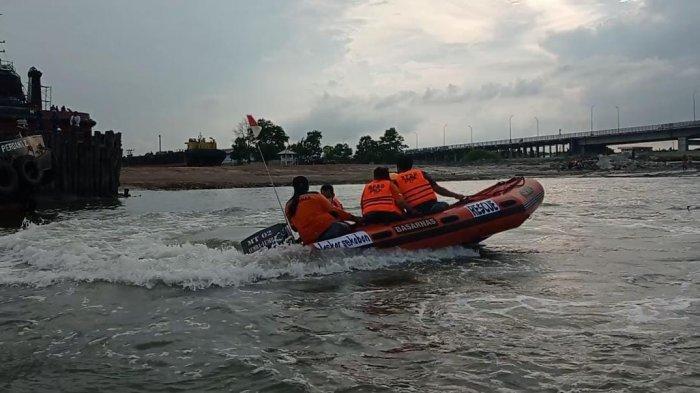 Tim SAR Gabungan Memperluas Pencarian Noval Remaja Tenggelam di Muara Sungai Pangkalbalam