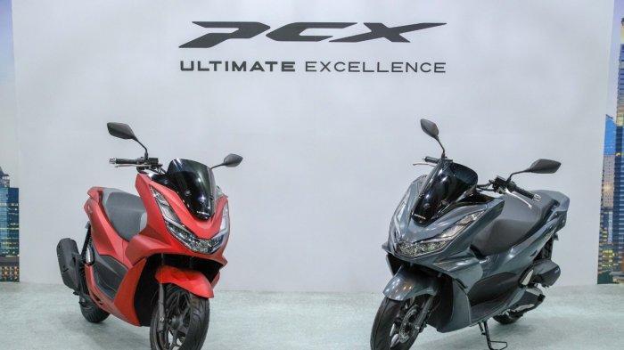 Motor skutik premium All New Honda PCX terpilih sebagai sepeda motor terbaik di Indonesia seiring dengan diraihnya penghargaan  Bike of the Year pada ajang Otomotif Award 2021