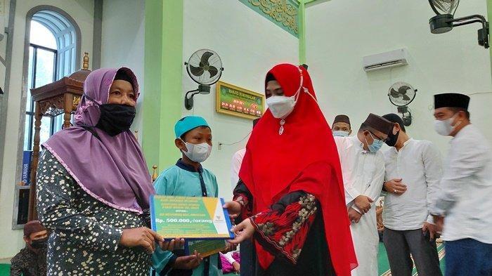 Gelar Safari Ramadhan di Desa Bencah, Bupati Riza Ajak Umat Muslim Pertebal Keimanan