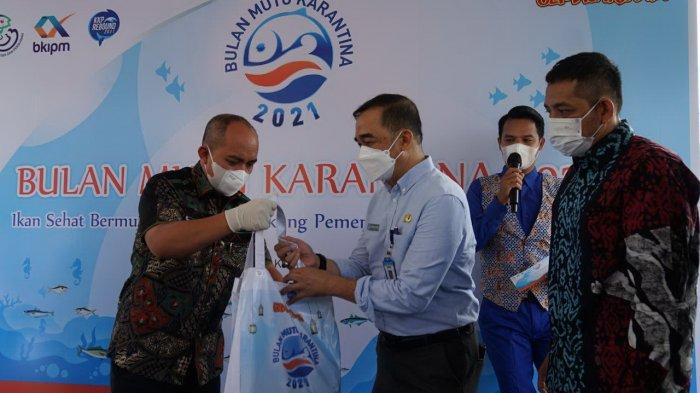Bulan Mutu Perikanan 2021, SIKPM Pangkalpinang Bagikan 1.200 Paket Ikan Segar