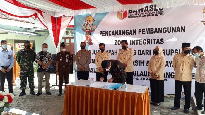 Ombudsman RI Bangka Belitung Jadi Saksi Pencanangan Zona Integritas Bawaslu Babel