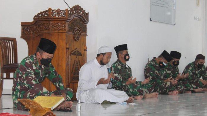 Keluarga Besar Korem 045/Garuda Jaya Peringati Nuzulul Quran dan Buka Bersama