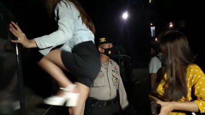 Cewek Seksi di Pangkalpinang Terjaring Razia Malam, Puluhan Pengunjung Diciduk