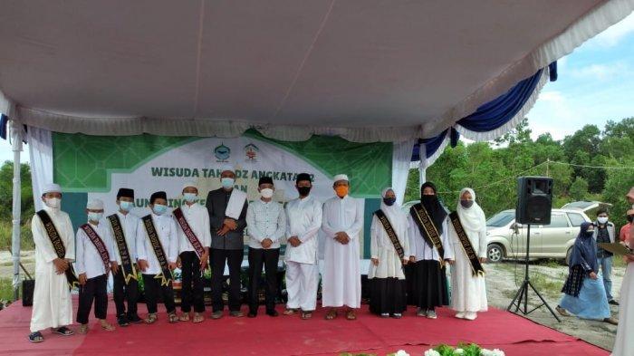 Bupati Bangka Menguji Hafalan Al Quran Santri Ma'had Darul Quran Bangka Belitung