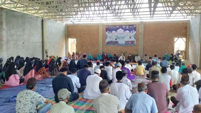 Peduli Sesama di Bulan Ramadan, Wabup Basel Bersama Yayasan Pena Ar-Rahmah Berikan Santunan & Parsel