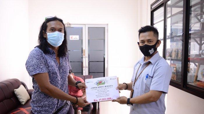 Dorong Kembangkan Sepak Bola, PT Timah Salurkan Bantuan kepada PSSI Babel dan SSB 89