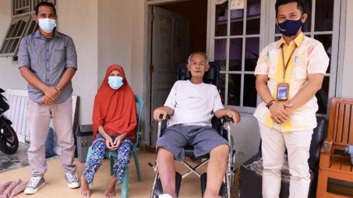 Saparlan dan Suryatun Bersyukur Terima Bantuan Pengobatan dan Kursi Roda dari PT Timah