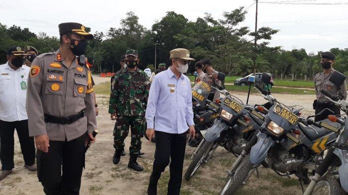 Polres Bangka Tengah bersama Bupati Bateng saat gelar persiapan pelaksanaan Operasi Ketupat Menumbing Tahun 2021 di Halaman Polres Bangka Tengah,  Rabu (5/5/2021