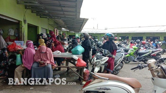 Suasana di Pasar Pagi Kota Pangkalpinang pantauan Bangkapos, Kamis (6/5/2021)