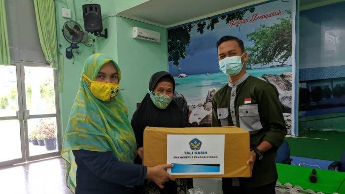 SMAN 3 Pangkalpinang Bagikan 200 Paket Sembako kepada Siswa, Warga Kurang Mampu dan Panti Asuhan