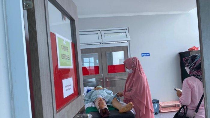 Jamro Suami Debby Wabup Bangka Selatan Ditabrak Lari, Begini Kondisinya