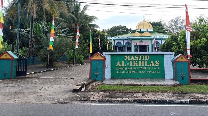 Mengenal Masjid Al-Ikhlas Kompi Senapan B Sungailiat, Masjid Sederhana Namun Menenangkan