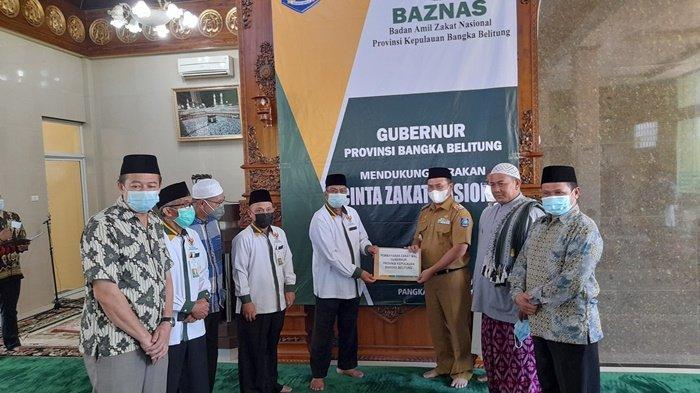Baznas Bangka Belitung Salurkan Zakat ke 105 Orang dan Launching Gerakan Cinta Zakat