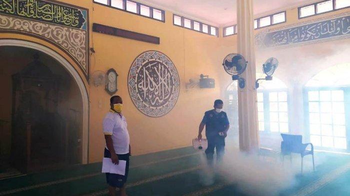 PT Timah Bersama Relawan Covid-19 Simpul Babel Lakukan Fogging Disinfektan di 50 Masjid
