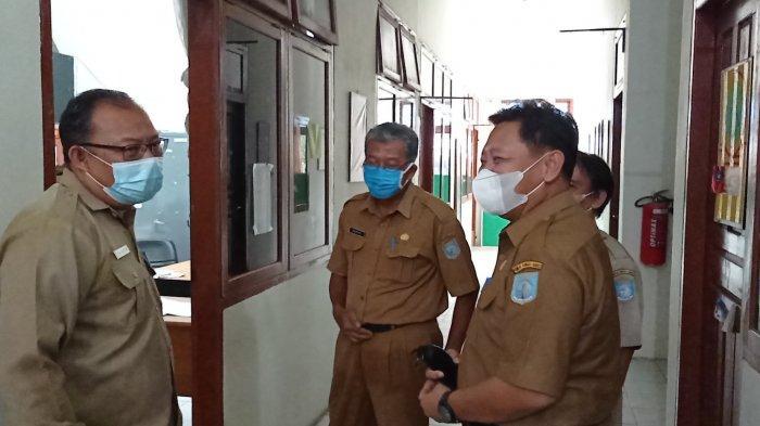 Hari Pertama Kerja Pasca Libur Lebaran, Sekda Bangka Barat Sidak Pegawai, Ada yang Terlambat Masuk