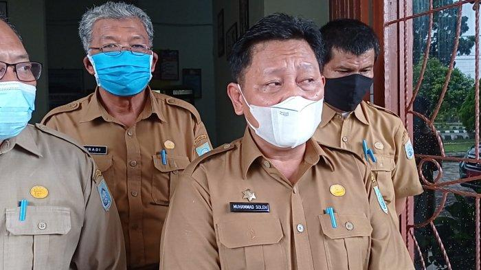 Inspeksi Mendadak Sekda Bangka Barat, Muhammad Soleh ke Dinas Sosial Kabupaten Bangka Barat, Senin (17/05/2021)