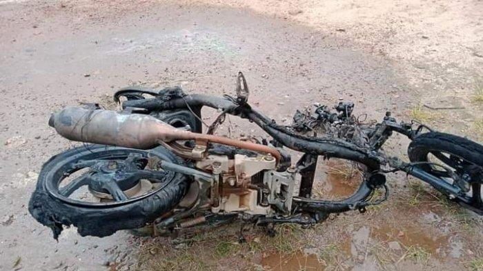 Nahas Motor Kurir Ini Beserta Paket Bawaannya Ludes Terbakar, Kerugian Diperkirakan Capai Rp 15 Juta