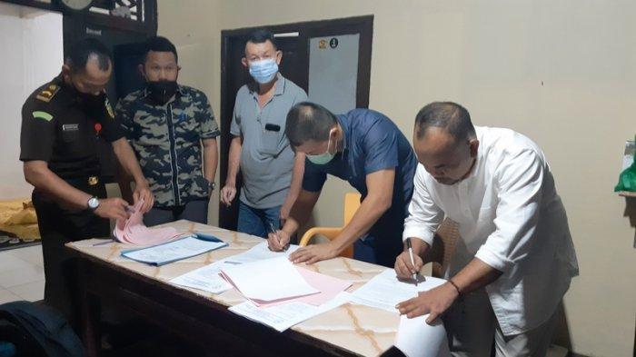 Majelis Hakim Vonis Bebas Tiga Terdakwa Tipikor 73 Ton Timah, JPU Kecewa, Ali Samsuri Menangis Haru