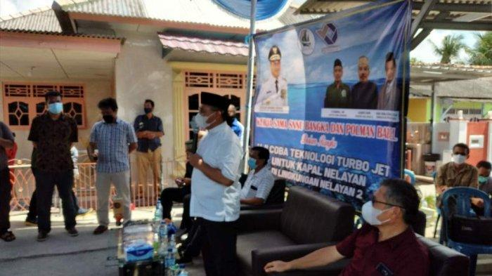 Gubernur Kepulauan Bangka Belitung Erzaldi menyaksikan ujicoba teknologi turbo jet untuk.kapal nelayan bermesin 8,5 PK di dermaga Lingkungan Nelayan 2 Kelurahan Sungailiat Kecamatan Sungailiat, Rabu (26/05/2021).