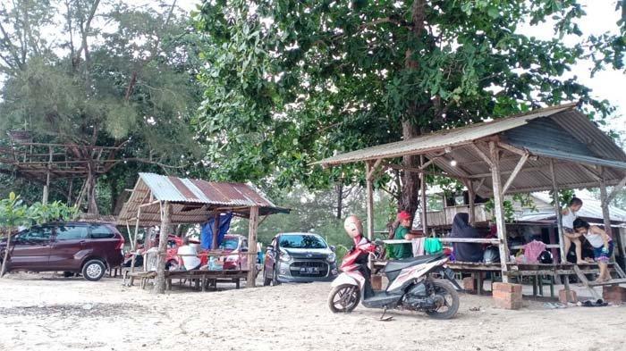 Pantai Pukan, Air Anyir, Kecamatan Merawang