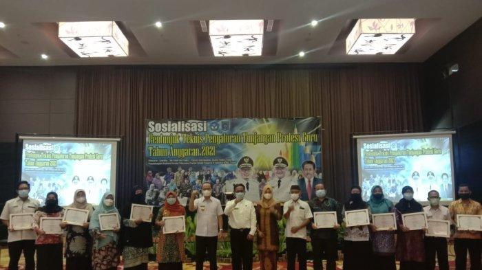 Pemkab Bangka Tengah Sosialisasikan Juknis Penyaluran Tunjangan Profesi Guru Tahun Anggaran 2021