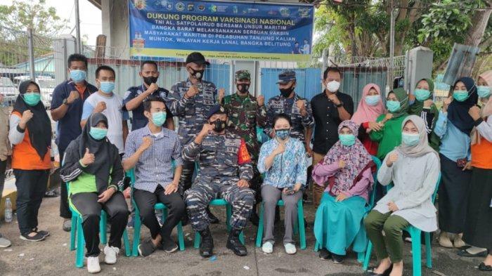 TNI AL Bersama Instansi Maritim  Melaksanakan Serbuan Vaksinasi Masyarakat Maritim di pelabuhan Tanjung Kalian (Jum'at, 02/06/2021).