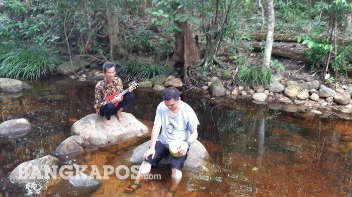 Pengujung Air Maruyan dan Lakedang Terjun Makin Ramai, Mang Husen Sediakan Menu Khas Kampung
